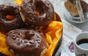 Gogosi glazurate cu ciocolata